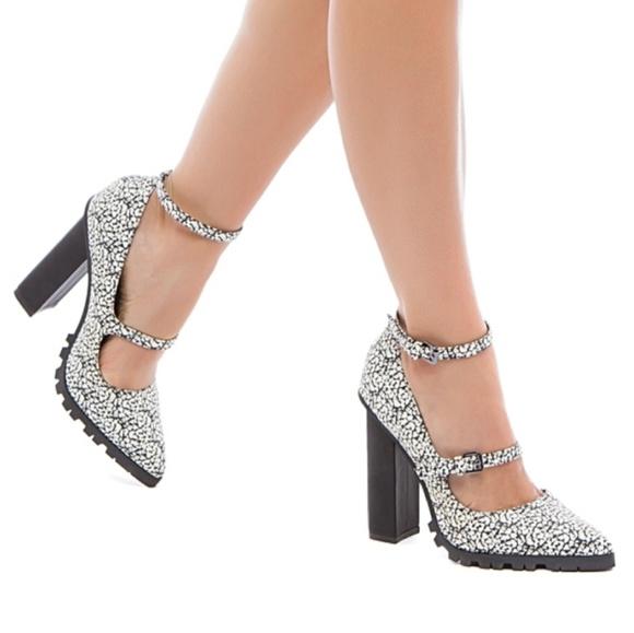 Beau + Ashe Shoes - Beau + Ashe Aneka Block Heel Pointed Toe Pump 3369